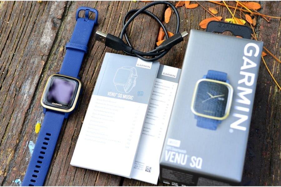 accesorios incluidos reloj deportivo Garmin venu sq