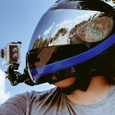consejos de seguridad para grabar con camaras en casco de moto